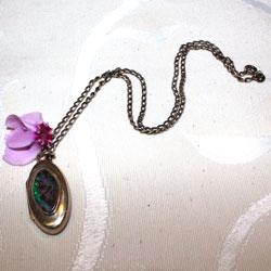 pendentif m daillon en argent surmont d 39 une opale boulder taillerie de n mes. Black Bedroom Furniture Sets. Home Design Ideas